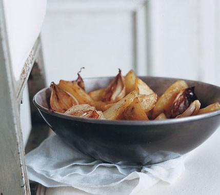 طرز تهیه سیب زمینی تنوری با موسیر