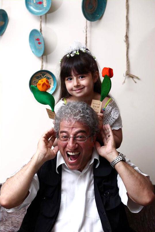 علیرضا خمسه در کنار همسر و دخترش /تصاویر