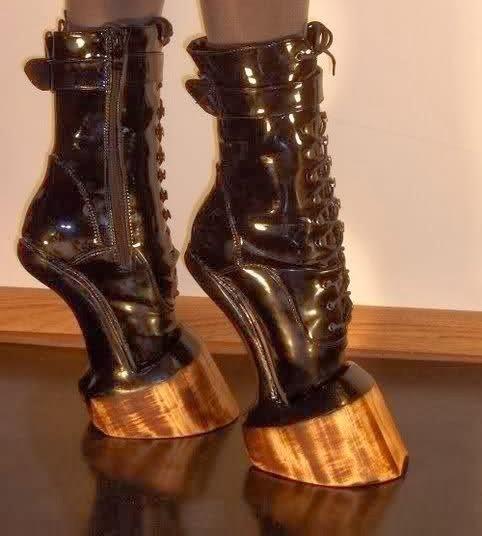 کفش های جالب و دیدنی پاشنه بلند /تصاویر