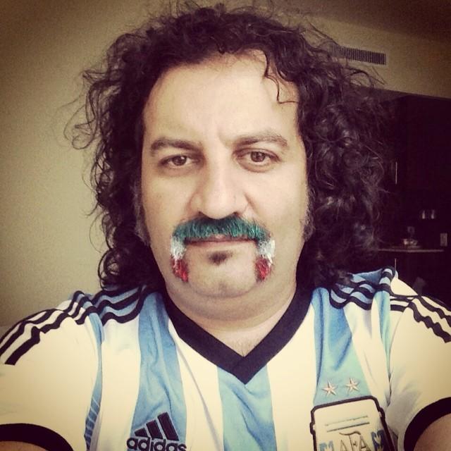 مهراب قاسم خانی با لباس آرژانتین! /عکس