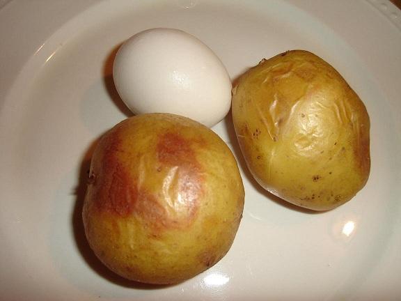 تخم مرغ را با سیب زمینی بخورید!