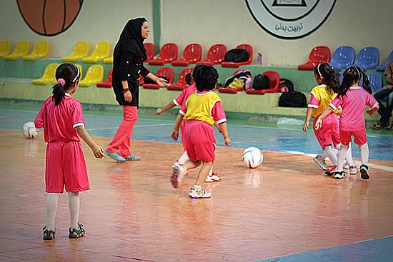 تصاویری از فوتبال دختران ایرانی