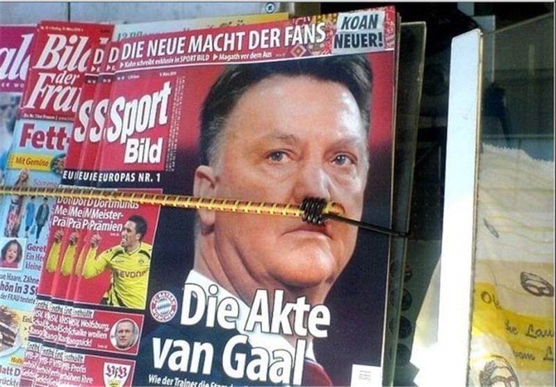 شباهت عجیب یک مربی به هیتلر! +عکس