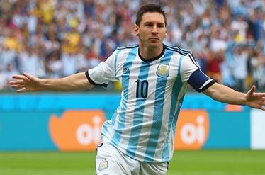 چه کسی در بازی ایران و آرژانتین پیراهن مسی را گرفت