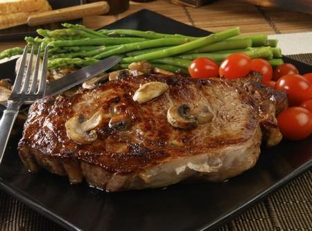 طرز تهیه استیک گوشت شتر مرغ