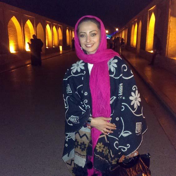 بازیگر زن مشهور در سی و سه پل اصفهان +عکس