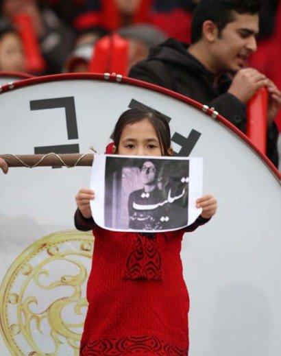 تسلیت دختر کرهای برای پاشایی + عکس