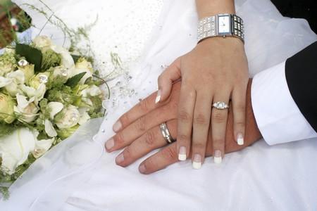 توقعات در دوران ازدواج همراه با راضی کردن خانواده