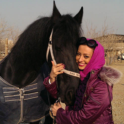 نفیسه روشن و اسب زیبایش پرنسس / عکس