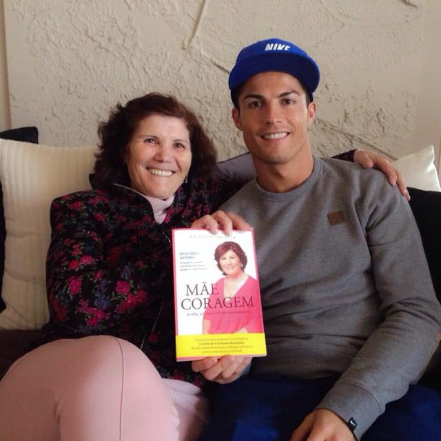 کریس رونالدو از مادرش تمجید کرد +عکس