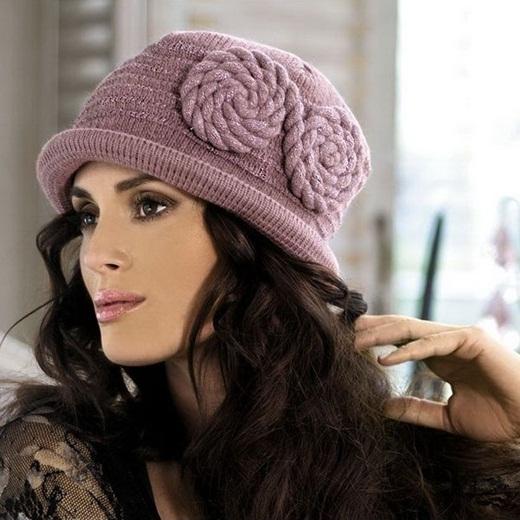 مدل های رنگارنگ از کلاه بافتنی دخترانه