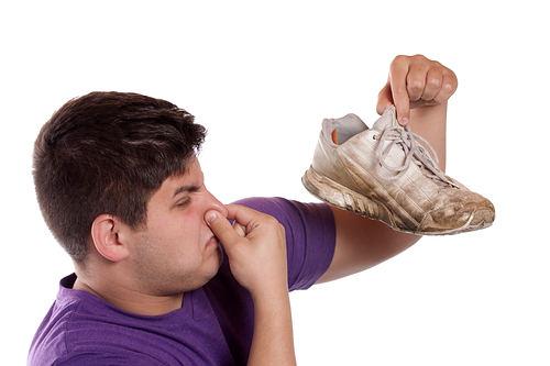 راهکارهای جلوگیری از بوی بد کفش