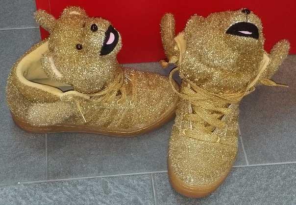 کفش های خرسی دنی آلوس! + عکس