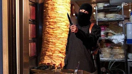 شوخی با جلاد داعش +تصاویر