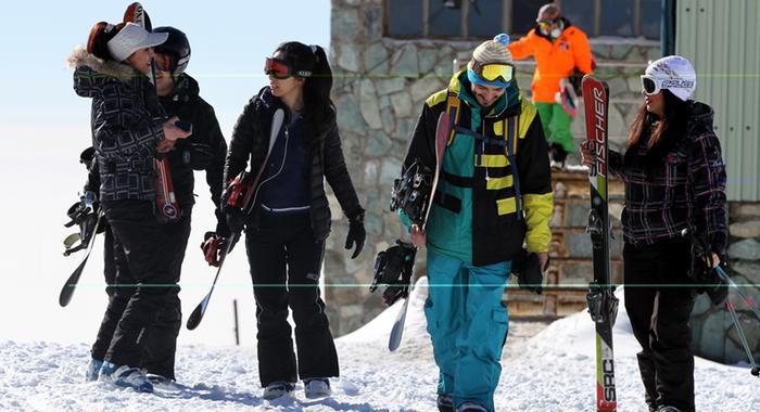 تصاویر بدحجابی در پیست اسکی توچال