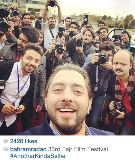 000697 عکس سلفی بهرام رادان با خبرنگاران
