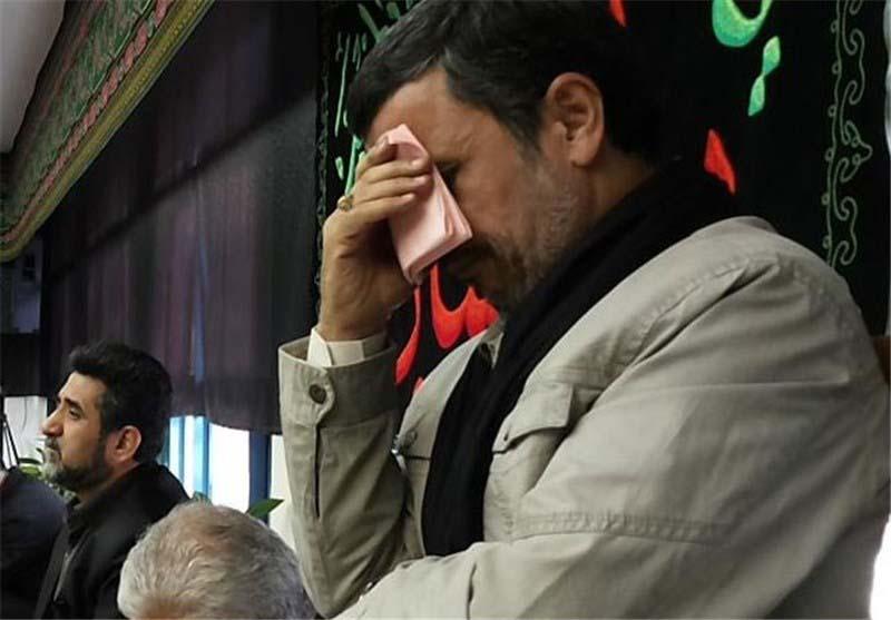 محمود احمدی نژاد عزادار شد + عکس