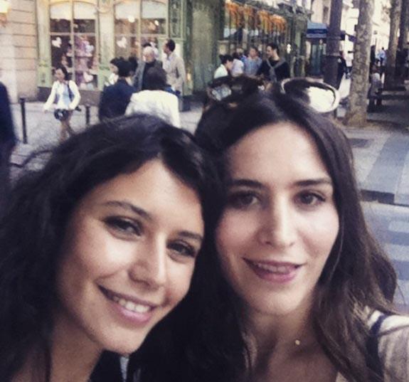 0007163 عکس سلفی فاطما گل در پاریس!
