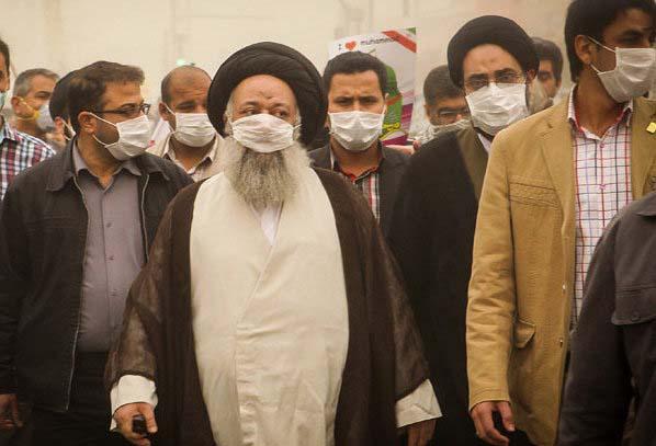 امام جمعه اهواز با ماسک در راهپیمایی / عکس
