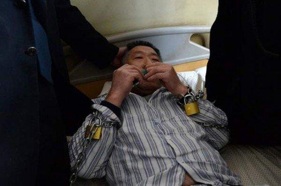 مردی که زورکی از بیمارستان مرخص شد! + عکس