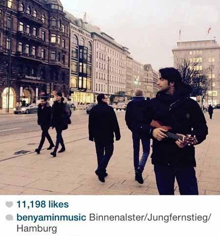 بنیامین بهادری گیتار به دست در خیابان های هامبورگ + عکس