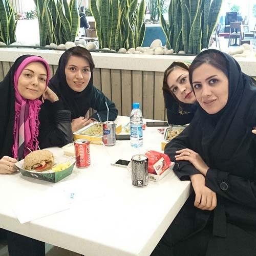 0007214 تفریح آزاده نامداری و دوستانش / عکس