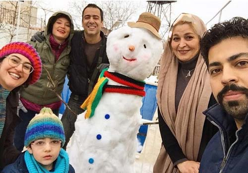 سحر ولدبیگی و همسرش در حال برف بازی + عکس
