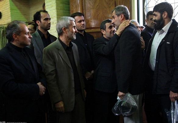 000762 مایلی کهن در مراسم ختم مادر احمدی نژاد / عکس