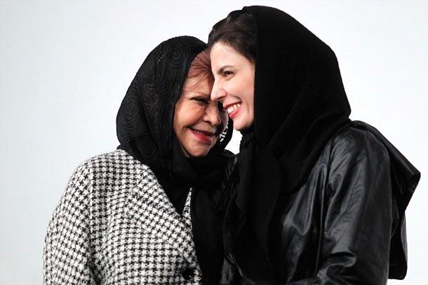 000776 لیلا حاتمی و مادرش زهرا حاتمی در برج میلاد / عکس