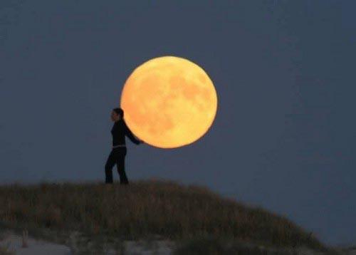 40026741 0009 تصاویر جالب و دیدنی از شوخی با ماه!