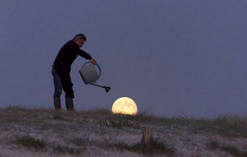 40026741 09 تصاویر جالب و دیدنی از شوخی با ماه!