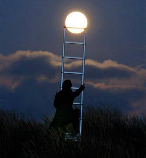 تصاویر جالب و دیدنی از شوخی با ماه!