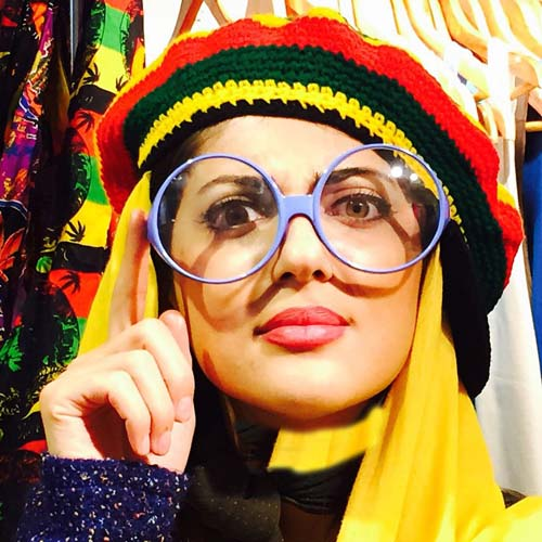 6302596 1 تیپ عجیب سارا منجزی پور و هلیا امامی در کیش! + تصاویر