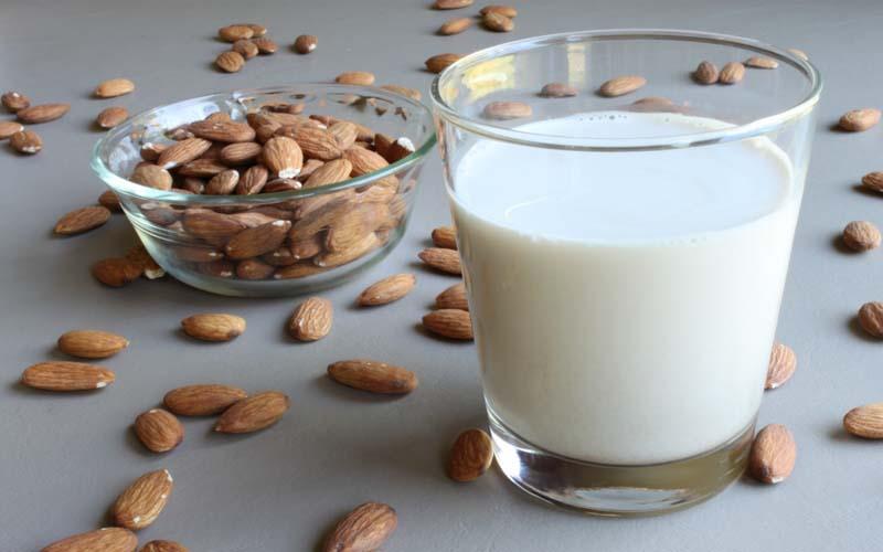 فواید شگفت انگیز شیر بادام