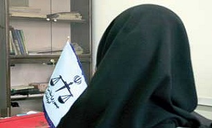 طلاق گرفتن زن ایرانی به خاطر موی بلند!