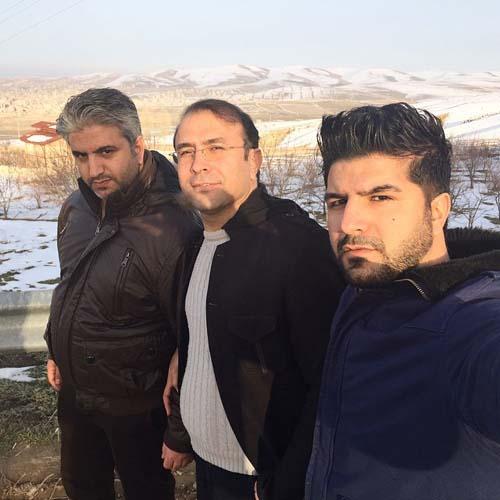 مجید خراطها در کنار برادرانش /عکس