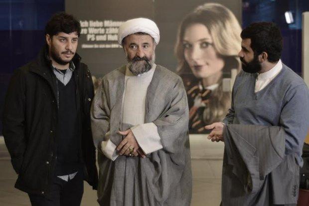 بازیگر مشهور سینما در لباس روحانیت + عکس