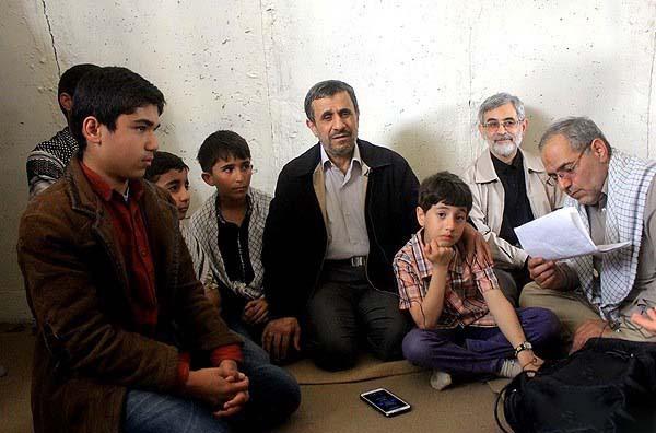 محمود احمدی نژاد در کاروان راهیان نور + عکس