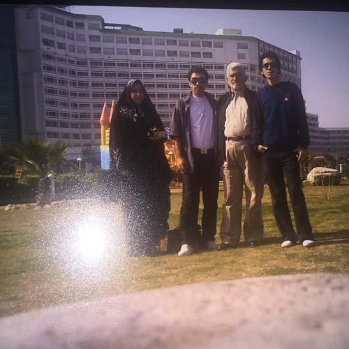 عکسی از مرحوم مرتضی پاشایی و خانواده اش