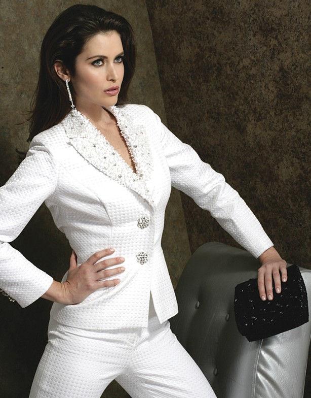 مدل کت و دامن و کت و شلوار زنانه سفید رنگ
