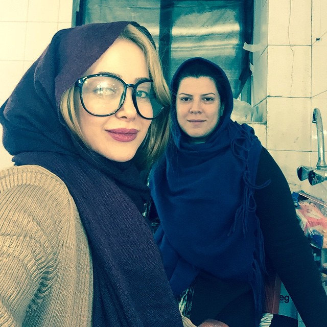 عکس الناز حبیبی و دوستش ۹۴