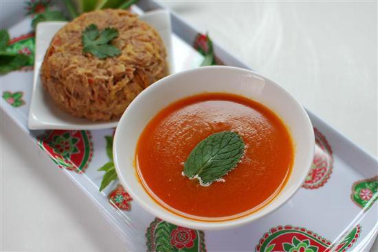 طرز تهیه آبگوشت با گوجه سبز