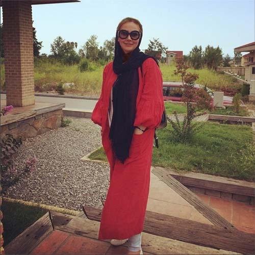 تیپ جدید آنا نعمتی در شمال / عکس