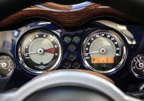 ماشین مورگان آئرو ۸ +تصاویر