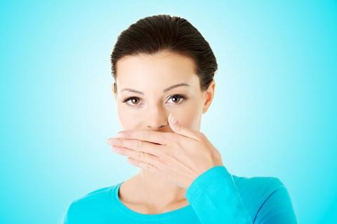 ترفندهایی ساده اما مفید برای رهایی از بوی بد دهان
