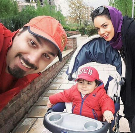 احسان خواجه امیری در کنار همسر و فرزندش / عکس