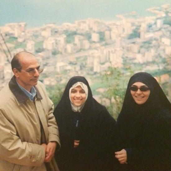 مژده لواسانی و پدر و مادرش در ۱۵ سال پیش / عکس
