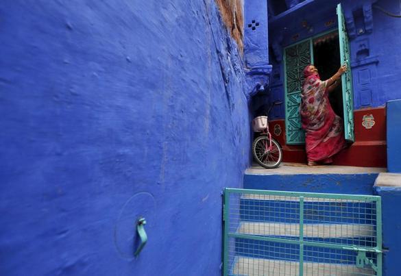 همه چیز در این شهر به رنگ آبی است! / تصاویر