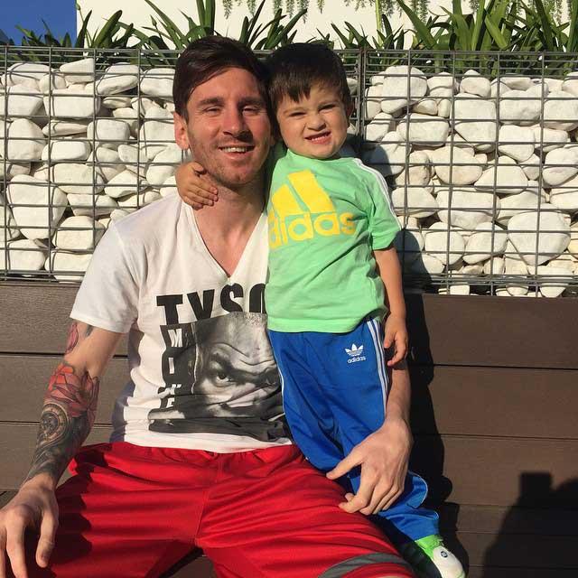 لیونل مسی در کنار پسر تپلش + عکس