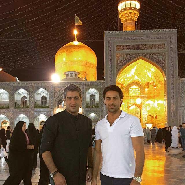 فرهاد مجیدی و برادرش در حرم امام رضا / عکس